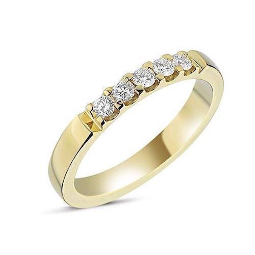 Memories by Nuran, 14 karat guld 2,8 mm ring med 5 x 0,05 ct brillanter og total 0,25 ct