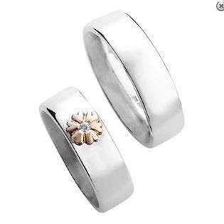 e0f98e18033 Randers Sølv ringe med 14 karat guld hjerteblomst med zirkonia og flot  blank overflader