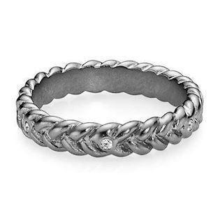 Love Braid-small, sort rhodineret sølv ring fra Izabel Camille