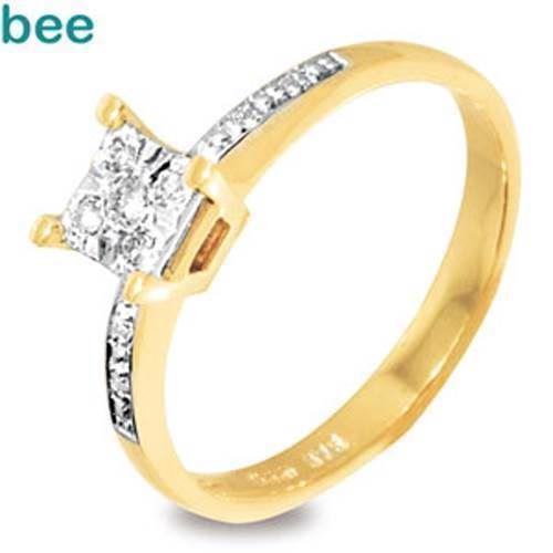 9 kt solitaire fingerring m/ 1 stk 0,03 ct & 4 x 0,01 ct diamanter